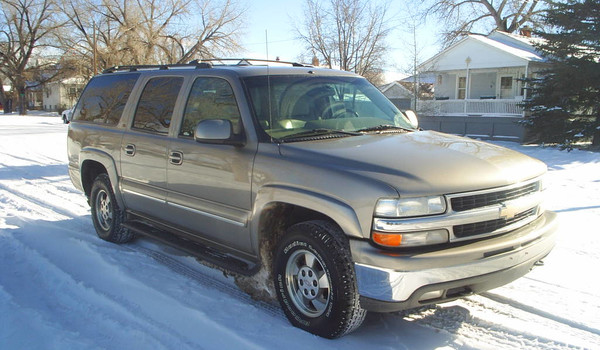 2001-Chevy-Suburban-rt.JPG