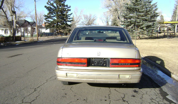1993-Buick-Regal-rear-487606.JPG