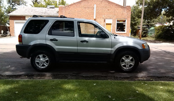 2002-Ford-Escape-rt-d24545.jpg