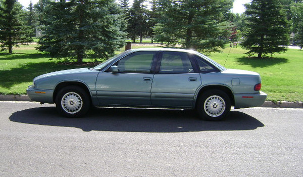 1995-Buick-Regal-lft-428087.JPG