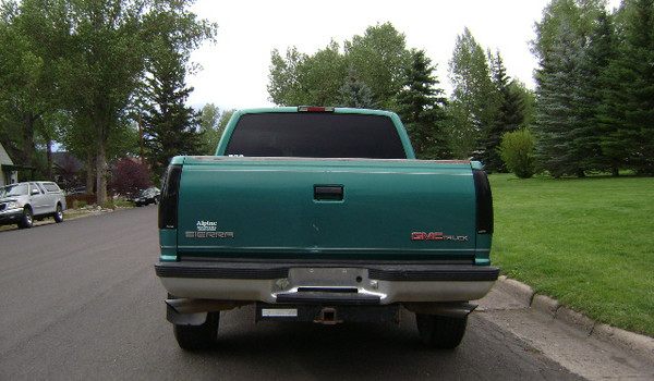 1995-GMC-K1500-sierra-rear-504829.JPG