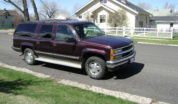 1996-Chevy-Suburban-rt-357480.JPG