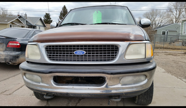 1997_Ford_Expedition-14267016731.jpg
