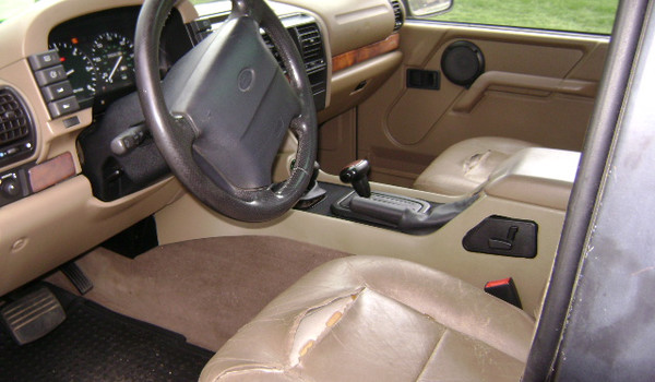 1997-Land-Rover-Discovery-int-609707.JPG