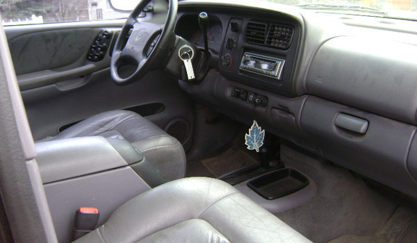 1998-Dodge-Durango-int-199027.JPG