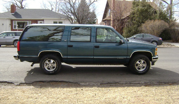 1993-Chevy-Suburban-rt-327964.JPG