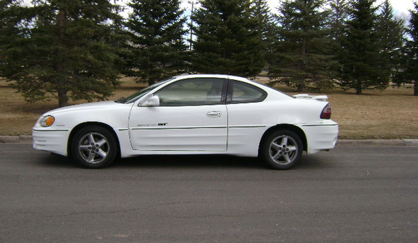 2000-Pontiac-Grand-Am-GT-lft-716709.JPG