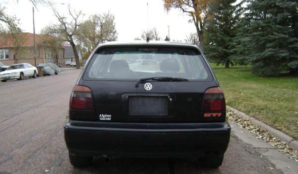 1997-VW-Golf-GTI-rear-021030.JPG
